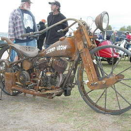 Harley-Davidson - Ultimate rat bike beautiful in a sense...