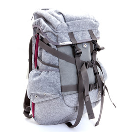 SILAS Grey, immun. - FELT BACK PACK