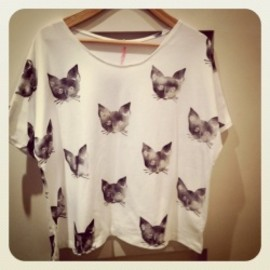 VIOLET AND CLAIRE - Leah Reena Goren - Black Kitten Tee (sleeve)