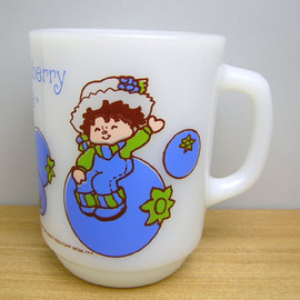 Fire King - Strawberry Shortcake Huckleberry Pie mug cup