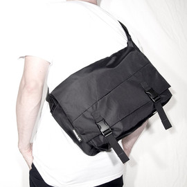 IGNOBLE - Laurel Classic Messenger