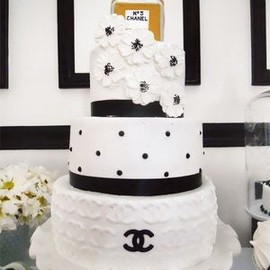 CHANEL - wedding cake