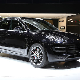 Porsche - Macan Turbo
