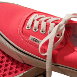 VANS - NEON PINK AUTHENTIC