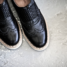 Art Comes First, AVEC CES FRERES - numnutter english brogue elastic shoe solovair sole