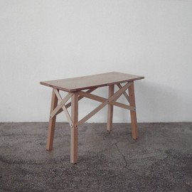 shiratori hiroko/ okay studio - build stool