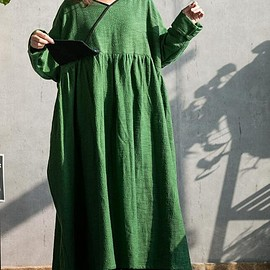 Cotton linen maxi dress in green, long sleeves dress, oversized dress, women Everyday loose robe