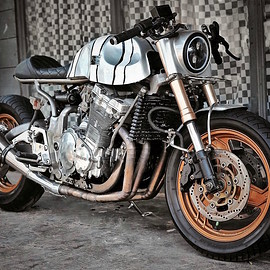 Rockers Motorcycle Custom - Suzuki GSX-R 1100 cafe racer