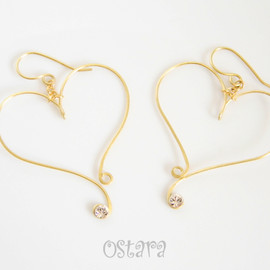 Ostara - Hammered Gold Wire Earrings-Swarovski Heart Curvy