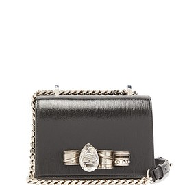 Alexander McQueen - Knuckle patent-leather cross-body bag
