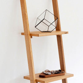TRACE - LADDER SHELF