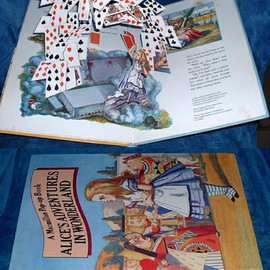 ALICE'S ADVENTURES IN WONDERLAND A POP-UP BOOK