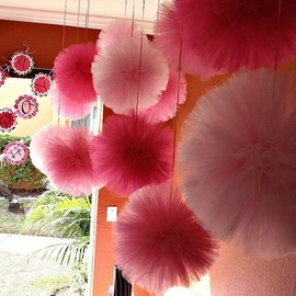 party room - Tulle pom poms....