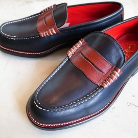 REGAL SHOE & CO - TWO TONE PENNY LOAFER