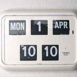 TWEMCO - Automatic Digital calendar clock
