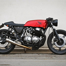 HONDA - A perfect 1977 CB750 cafe racer, Wrenchmonkees' style by Frederik Christensen from Denmark