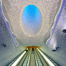 Italy - The Toledo metro station in Naplis with blue bisazza mosaics by Oscar Tusquets Blanca