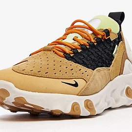 NIKE - React Sertu - Club Gold/Black/Wheat/Bright Ceramic