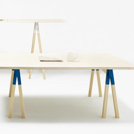 TAF Arkitektontor - sawhorse brackets table