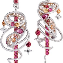 LOUIS VUITTON - the spirit of travel shangai earrings in white & red gold, spinels & spessartits.