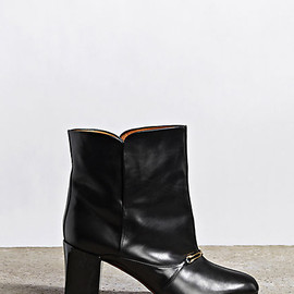 CÉLINE - OVERSIZED ANKLE BOOT IN BLACK SMOOTH CALFSKIN