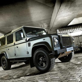 Land Rover - Land Rover Defender 110