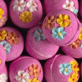 LUSH - bubble bars/Think Pink