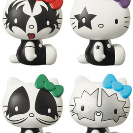 MEDICOM TOY - VCD KISS × HELLO KITTY