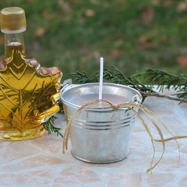 Luulla - Miniature Vermont Sap Bucket Candle Scented in Vermont Maple Syrup