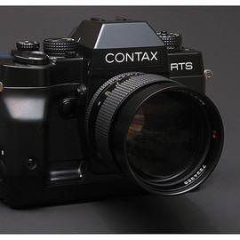 Contax - RTS-3 with Planar 1.4/85mm