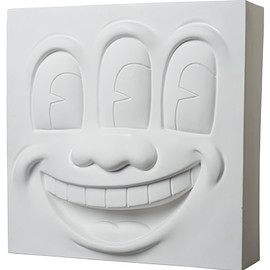 MEDICOM TOY - Three Eyed Smiling Face STATUE WHITE Ver.