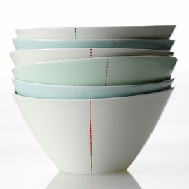 anne black - tilt Bowl