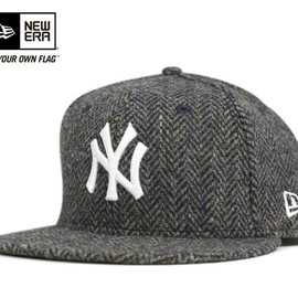 New York Yankees Black × Black Snapback