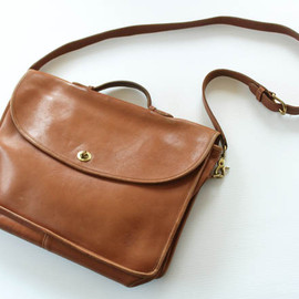 Vintage Leather Coach Bag Design