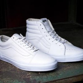 VANS - VANS VAULT OLD SKOOL LX & SK8-HI LX ALL WHITE