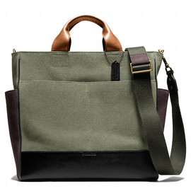 Coach - BLEECKER UTILITY TOTE (CANVAS) - OLIGHT GOLDVE/BLACK