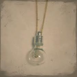 Aquvii - Light Bulb Necklace