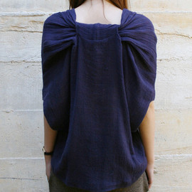 A Detacher - Thelma V-Neck Top In Navy Gauze