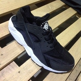 Nike - Air Huarache - Black/Black/White
