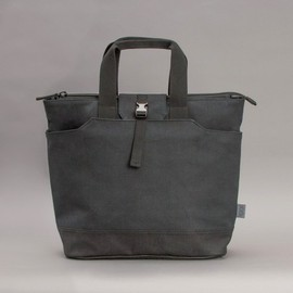 C6 - C6 North South Tote in Black