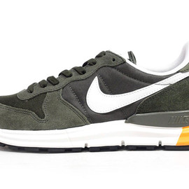 NIKE - LUNAR INTERNATIONALIST 「LIMITED EDITION for SELECT」