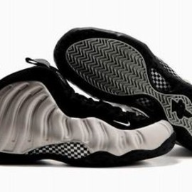 2010 Air Foamposite One Metallic Silver/Black Men's