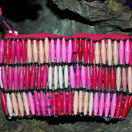 Handcrafted Paper Bead Beaded Coin Purse - Pink Checkerboard