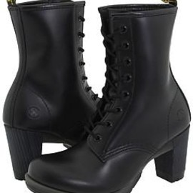 Dr.Martens - Darcie 8-Eye (Black Smooth)