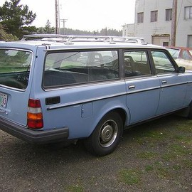 volvo - volvo-240-station-wagon