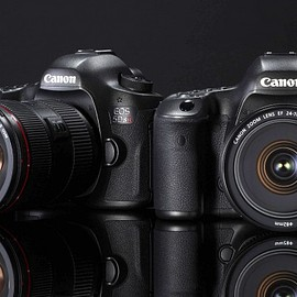 Canon - EOS 5DS and 5DS R