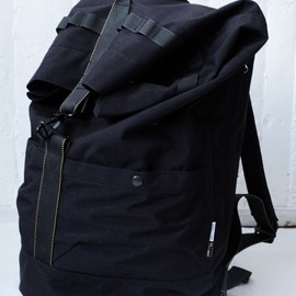 ENDS and MEANS - Refugee Duffle Bag Black