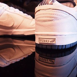 NIKE, STUSSY - Dunk Low Pro - White/White/Midnight Navy