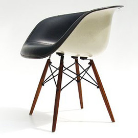 Eames - la fonda chair (Dowel Leg Base)