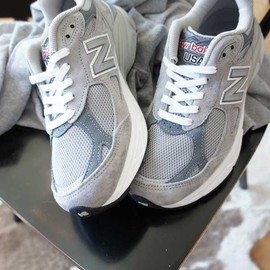 New Balance - W990 SHOES